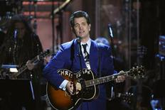 <p>Musician Chris Isaak performs during the 2010 Rock and Roll Hall of Fame induction ceremony at the Waldorf Astoria Hotel in New York, March 15, 2010. REUTERS/Lucas Jackson</p>