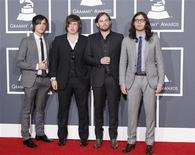 <p>Imagen de archivo de la banda estadounidense Kings of Leon, en la alfombra roja de los Premios Grammy, en Los Angeles. Ene 31 2010. REUTERS/Mario Anzuoni/ARCHIVO</p>