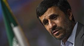 <p>EDITORS' NOTE: Reuters and other foreign media are subject to Iranian restrictions on leaving the office to report, film or take pictures in Tehran. Iranian President Mahmoud Ahmadinejad speaks during an anti-chemical weapon ceremony in Tehran June 29, 2010. REUTERS/Morteza Nikoubazl</p>