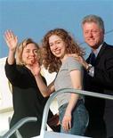 <p>A filha do ex-presidente Bill Clinton e da secretária de Estado Hillary Clinton, Chelsea Clinton, se casará neste domingo na cidade de Rhinebeck. 18/09/1997 REUTERS/Gary Cameron</p>