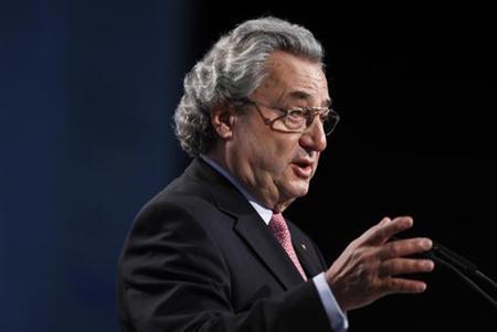 Arbeitgeberpräsident Hundt während einer Rede in Berlin am 24. November 2009. REUTERS/Tobias Schwarz
