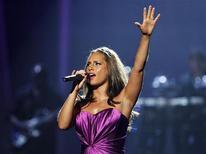 <p>Alicia Keys se apresenta nos BET Awards em Los Angeles. A cantora, de 29 anos, casou-se com seu namorado, o rapper e produtor musical Swizz Beatz. 27/06/2010 REUTERS/Mario Anzuoni</p>