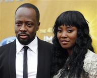 <p>Wyclef Jean e sua esposa Marie Claudinette Jean na NAACP Image Awards em Los Angeles, em fevereiro. O cantor vai anunciar nesta semana sua candidatura à Presidência do Haiti, segundo a revista Time, 26/02/2010 REUTERS/Danny Moloshok</p>