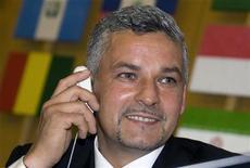 <p>Ex-atacante da seleção italiana Roberto Baggio durante campanha contra a fome da FAO em Roma, em 2008. Baggio deve retornar de forma surpreendente ao futebol como diretor técnico da federação italiana. 15/10/2008 REUTERS/Alessandro Bianchi/Arquivo</p>