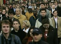 <p>Plus d'un Français sur trois croit au paradis après la mort, une proportion qui atteint quasiment huit sur dix chez les catholiques pratiquants, selon un sondage CSA paru dans l'hebdomadaire La Vie. /Photo d'archives/REUTERS</p>