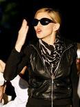 <p>Foto de arquivo da popstar norte-americana Madonna no Malaui. 05/04/2010 REUTERS/Mike Hutchings</p>