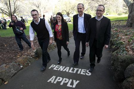 Elected Federal Australian Greens party members (L-R) Richard Di Natale, Sarah Hanson, leader Bob Brown and Adam Brandt leave a news conference in Melbourne August 22, 2010. REUTERS/Mick Tsikas