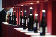 <p>Bottles of wine are displayed at the Alimentaria trade show in Barcelona in this March 26, 2010 file photo. REUTERS/Albert Gea</p>