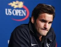 <p>Roger Federer of Switzerland speaks during a media conference at the U.S. Open tennis tournament August 28, 2010. REUTERS/Brendan McDermid</p>