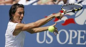 <p>Francesca Schiavone of Italy hits a return to Ayumi Morita of Japan during the U.S. Open Tennis Tournament in New York August 30, 2010. REUTERS/Eduardo Munoz</p>