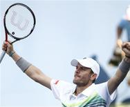 <p>Mardy Fish of the U.S. celebrates his win over Jan Hajek of the Czech Republic during the U.S. Open tennis tournament in New York, August 31, 2010. REUTERS/Kevin Lamarque</p>