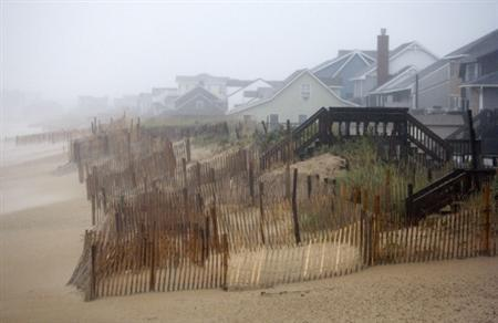 Beach houses remain mostly undamaged as Hurricane Earl passed by Kill Devil Hills, North Carolina September 3, 2010. REUTERS/Richard Clement