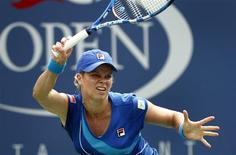<p>Kim Clijsters of Belgium plays against Petra Kvitova of the Czech Republic during the U.S. Open tennis tournament in New York, September 3, 2010. REUTERS/Kevin Lamarque</p>