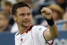 <p>Robin Soderling of Sweden celebrates a point against Albert Montanes of Spain during the U.S. Open tennis tournament in New York September 6, 2010. REUTERS/Kena Betancur</p>