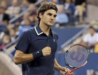<p>Roger Federer of Switzerland celebrates winning a point against Jurgen Melzer of Austria during the U.S. Open tennis tournament in New York September 6, 2010. REUTERS/Ray Stubblebine</p>