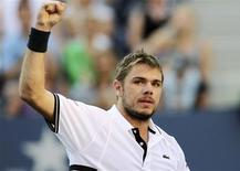<p>Stanislas Wawrinka of Switzerland celebrates his victory against Sam Querrey of the U.S. during the US Open tennis tournament in New York, September 7, 2010. REUTERS/Eduardo Munoz</p>