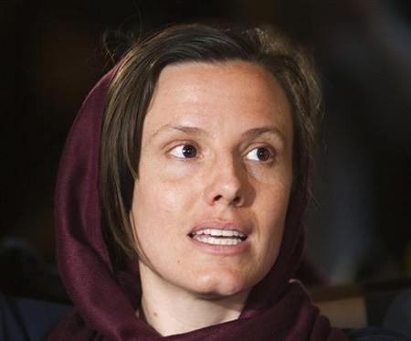 Sarah Shourd speaks with journalists during a news conference in Tehran May 20, 2010. REUTERS/Raheb Homavandi