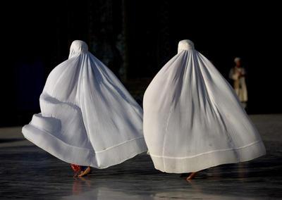 Veiled women of the world