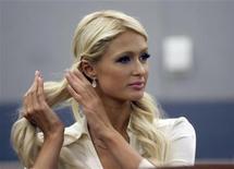 <p>Paris Hilton é vista no tribunal do Centro Regional de Justiça de Las Vegas, nos Estados Unidos, dia 20. Ela foi detida para interrogatório na terça-feira por autoridades do aeroporto de Tóquio, para onde tinha voado para finalidades de trabalho, um dia depois de se confessar culpada em Las Vegas de posse de cocaína. 20/09/2010 REUTERS/Las Vegas Sun/Steve Marcus</p>
