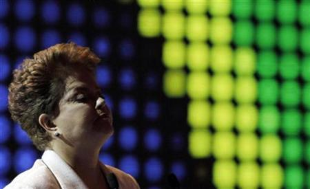 Brazilian presidential candidate for the ruling Workers Party Dilma Rousseff stands during a television debate in Sao Paulo September 12, 2010. REUTERS/Nacho Doce