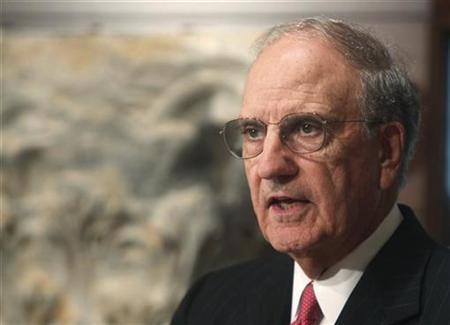 U.S. Special Envoy to the Middle East George Mitchell speaks during a news conference after meeting with Lebanon's President Michel Suleiman at the Presidential Palace in Baabda, near Beirut, September 17, 2010. REUTERS/ Mohamed Azakir