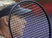 <p>Россиянка Мария Шарапова во время матча против свой соотечественницы Елены Весниной на турнире China Open в Пекине 5 октября 2010 года. Российская теннисистка Мария Шарапова отказалась от участия в Кубке Кремля-2010, говорится в сообщении на сайте турнира. REUTERS/Petar Kujundzic</p>