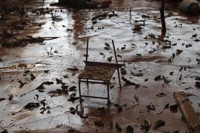 Toxic sludge spill spreads