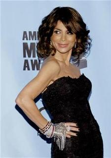 Singer and choreographer Paula Abdul arrives at the 2009 American Music Awards in Los Angeles, California November 22, 2009. REUTERS/Danny Moloshok