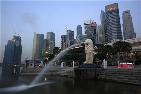 A general view of Singapore's financial district from Merlion Park April 14, 2010. REUTERS/Tim Chong