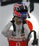 """<p>""""Nunca diga nunca até que seja matematicamente impossível, mas com duas corridas restando e, dada a distância que estou, será muito difícil de onde estou agora,"""" disse o piloto da McLaren, Jensen Button. 22/10/2010 REUTERS/Lee Jae-won</p>"""