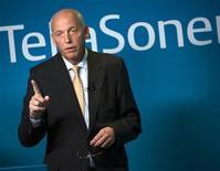 <p>Le directeur général de TeliaSonera, Lars Nyberg. L'opérateur télécoms nordique a dégagé un bénéfice trimestriel plus élevé que prévu et a relevé ses objectifs pour 2010. /Photo prise le 11 février 2010/REUTERS/Henrik Montgomery/Scanpix</p>