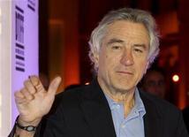<p>Ator Robert De Niro no Doha Tribeca Film Festival em outubro. O ator já ganhou dois Oscars e em breve conquistará um Globo de Ouro por sua carreira de 40 anos no cinema. 28/10/2010 REUTERS/Mohamad Dabbouss</p>