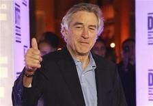 <p>Imagen de archivo del actor Robert De Niro, durante un festival de cine en Dohá. Oct 28 2010 El actor Robert De Niro, ganador de dos Oscar, sumará pronto otro premio a su legendaria carrera cinematográfica, que se prolonga desde hace 40 años. REUTERS/Mohammed Dabbous/ARCHIVO</p>