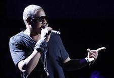 """<p>Jay-Z se apresenta no Festival de Música Coachella em Indio, na Califórnia, em abril. O rapper lançou seu livro """"Decoded"""", falando sobre sua vida, música e o hip-hop. 16/04/2010 REUTERS/Mario Anzuoni/Arquivo</p>"""