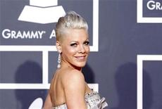 <p>Singer Pink arrives on the red carpet at the 52nd annual Grammy Awards in Los Angeles January 31, 2010. REUTERS/Mario Anzuoni</p>