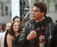 """<p>serie de televisión """"Hulk"""" Lou Ferrigno durante el estreno de la cinta """"This Is It"""" en Los Angeles, oct 27 2009. Ferrigno se unió a un grupo de un comisario de Arizona que tiene como objetivo la inmigración ilegal en la zona del valle de Phoenix, dijo la oficina del agente policial. REUTERS/Mario Anzuoni</p>"""