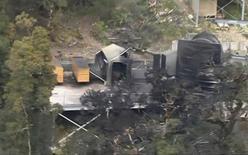 <p>Вход в шахту, на которой произошел взрыв, в Новой Зеландии 19 ноября 2010 года. Почти 30 человек оказались под завалами после взрыва на угольной шахте в Новой Зеландии в пятницу, сообщили компания-владелец шахты и местные власти. REUTERS/TVNZ via Reuters TV</p>
