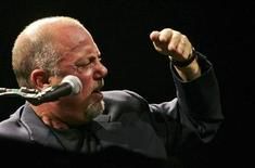 <p>Billy Joel performs in a file photo. REUTERS/Siphiwe Sibeko</p>