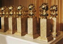 <p>Foto de archivo de las estatuillas de los premios Globos de Oro en Beverly Hills, ene 6 2009. A continuación, una lista de las principales nominaciones para los premios Globo de Oro 2011 en la categoría cine. Los galardones se entregarán el 16 de enero en Beverly Hills, Estados Unidos. REUTERS/Fred Prouser</p>