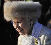 <p>Britain's Queen Elizabeth leaves a Christmas Day service at St Mary Magdalene Church on the Royal estate at Sandringham, Norfolk in east England, December 25, 2010. REUTERS/Toby Melville</p>