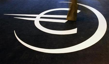 Euro-Symbol auf einer Ausstellung zum 10jährigen Jubiläum der Euro-Einführung in Lissabon am 5. Januar 2009. REUTERS/Nacho Doce