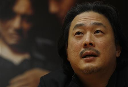 South Korean director Park Chan-wook speaks during an interview with Reuters in Goyang, north of Seoul, January 12, 2011. Prize-winning South Korean director Park's latest film, ''Night Fishing,'' has created a buzz in his native country -- it was filmed using 10 Apple iPhone 4s, three of which he himself controlled. Park, who won the Cannes Grand Prix in 2004 for ''Oldboy,'' also directed the 30-minute tale about a fisherman and a female shaman with his brother, Chan-kyong, and said the circumstances of its shooting gave making the film an unusual flavour. Picture taken January 12, 2011. REUTERS/Truth Leem