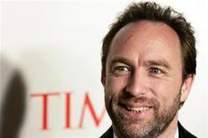 <p>Jimmy Wales, fundador e presidente da Wikipedia, é visto durante evento em Nova York, 8 de maio de 2006. REUTERS/Keith Bedford</p>