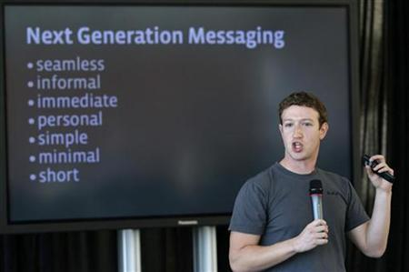 Facebook CEO Mark Zuckerberg speaks during a news conference where he unveiled a new messaging system in San Francisco, California November 15, 2010. REUTERS/Robert Galbraith