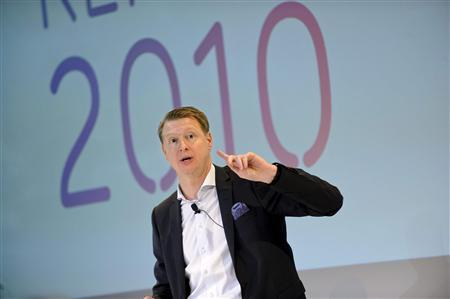 Hans Vestberg, CEO of Sweden's Ericsson, presents the company's fourth-quarter report during a news meeting in Stockholm, January 25, 2011. Ericsson, the world's biggest mobile network gear maker, reported strong fourth-quarter demand for smartphone network equipment, posted an 8 percent rise in revenues and said it would take aim at costs after posting disappointing margins, sending its shares higher. REUTERS/Pontus Lundahl/Scanpix