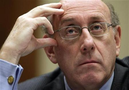 Kenneth Feinberg, administrator of the BP Deepwater Horizon Disaster Victim Compensation Fund, testifies before the House Commerce, Trade, and Consumer Protection Subcommittee hearing on ''The BP Oil Spill And Gulf Coast Tourism'' on Capitol Hill in Washington July 27, 2010. REUTERS/Yuri Gripas