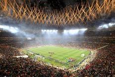 <p>Furto de cabos de eletricidade adia jogo no Soccer City, em Johannesburgo. 11/07/2010 REUTERS/Marcelo Del Pozo</p>