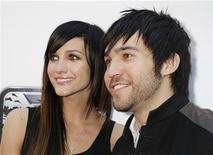 <p>A cantora Ashlee Simpson e seu ex-marido, Pete Wentz, são vistos em Hollywood, 19 de maio de 2010. REUTERS/Fred Prouser</p>