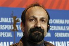"""<p>El director iraní Asghar Farhadi durante una conferencia de prensa en el Festival de Cine de Berlín, feb 15 2011. El drama iraní """"Nader and Simin: A Separation"""", una emotiva saga familiar combinada con una trama criminal, encendió el festival de cine de Berlín el martes y se convirtió en la película a vencer para el codiciado premio Oso de Oro. REUTERS/Christian Charisius</p>"""