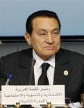 <p>Экс-президент Египта Хосни Мубарак в Шарм-эль-Шейхе 19 января 2011 года. Ушедший в отставку президент Египта сдался и хочет умереть в городе-курорте Шарм-эль-Шейх, сообщил в среду источник в правительстве Саудовской Аравии. REUTERS/Asmaa Waguih</p>